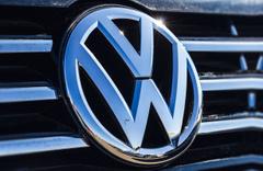 Volkswagen 30 bin avroluk elektrikli otomobilini satışa sundu