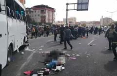 D100'de feci kaza: 1 ölü, 6 yaralı