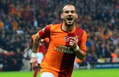 Sneijder Başakşehir maçı için İstanbul'a geliyor