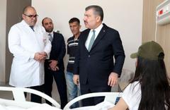 Yardım bekleyen Berfin Özek'e Sağlık Bakanı Fahrettin Koca'dan destek