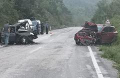 Karabük'te feci kaza 2 otomobil çarpıştı: 1 ölü, 4 yaralı