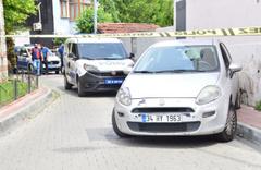 İstanbul'un göbeğinde güpegündüz silahlı soygun! 5 Kilo altını çalıp kayıplara karıştılar