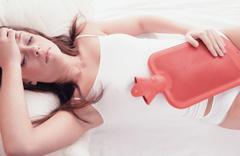 10 günden fazla adet olan bir kadın oruç tutabilir mi- oruç bozulur mu?