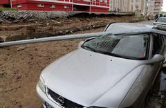 Sivas'ta şiddetli yağış nedeniyle bahçe duvarı çöktü