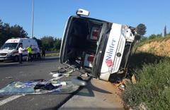 Ümraniye TEM Bağlantı Yolunda otobüs kazası: 1 ölü, 15 yaralı
