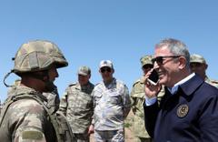 Asker ailesinden Hulusi Akar'a bomba davet