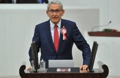 CHP Milletvekili Kazım Arslan beyin kanaması geçirerek hayatını kaybetti
