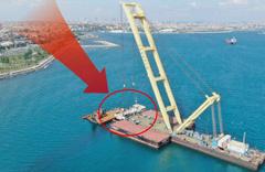 İstanbul'da batan 115 metrelik geminin arka bölümü sudan çıkarıldı