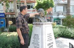 Mersin Tarsus'ta Zübeyde Hanım büstündeki gözlüğü çaldılar