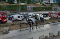 Maltepe'de 8 araç birbirine girdi çok sayıda yaralı var