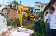 Mahallede 5 ton altın iddiasını duyan koştu kazılar başladı