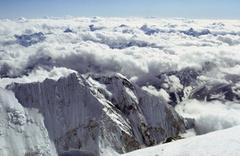 Himalayalar'daki buzullar günden güne eriyor! Rakamlar korkunç