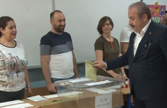 TBMM Başkanı Mustafa Şentop oyunu kullandı! İşte ilk sözleri