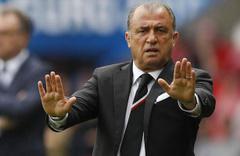 Fatih Terim Fiorentina maçının ardından ameliyata alındı