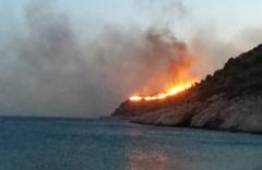 Korkulan oldu! Datça'da makilik yangını sürüyor