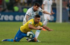 Bezilya Arjantan'i 2-0 yenerek Copa America'da adını finale yazdırdı