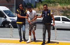 Antalya'da balkondan atlayan hırsızın ayağı kırıldı