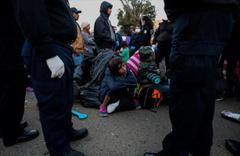 ABD-Meksika sınırında ailesinden koparılan çocuklar