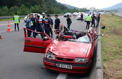 Bolu'da TEM otoyolunda feci kaza! Ölü ve yaralılar var