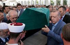 Gazeteci-yazar Mehmed Şevket Eygi son yolculuğuna uğurlandı
