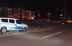 Alkollü sürücüyü kovalayan polis aracı kaza yaptı 2'si polis, 3 kişi yaralandı