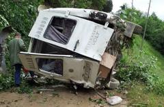 Giresun'da minibüs şarampole yuvarlandı: Ölüler ve yaralılar var