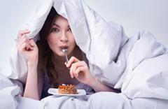 Yemekten sonra gelen uyku tehlikeli! Uzmanlar 'dikkat' diyerek uyardı
