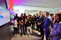 Milli Eğitim Bakanı Ziya Selçuk hayata geçirilen projeyi tanıttı