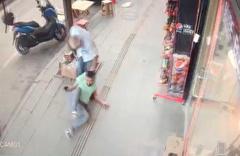 Sakarya'da kayınpeder ve eski damadın silahlı kavgası kamerada