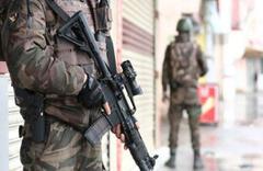 Hakkari'de terör örgütüne darbe! Silah ve mühimmat ele geçirildi