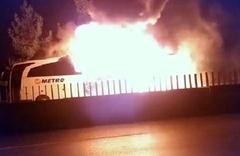 Ne oluyor bu otobüslere? Hatay-İstanbul otobüsü alev alev yandı