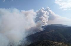 İzmir'de yangın büyüyor! Köy boşaltıldı