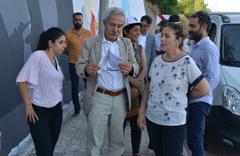 Adnan Selçuk Mızraklı Diyarbakır belediyesine geldi tebligatı imzalamayıp bunu yazdı
