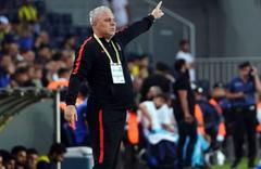Kadıköy'de ilk maç öncesi gerginlik çıktı!