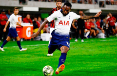 Beşiktaş'ın yeni transferi Kevin N'Koudou gece yarısı İstanbul'a geldi