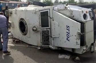 Silopi'de polis aracı devrildi: 8 yaralı
