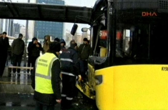Merter'de metrobüs kazası Avcılar yönü seferler durdu