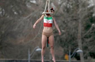 FEMEN yine soyundu Ruhani'ye şok protesto!