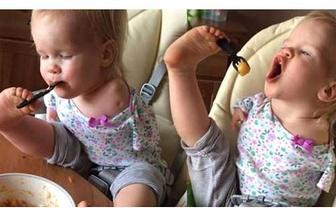 Kolları olmayan Rus bebek tık rekoru kırıyor