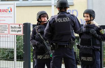 Almanya'da yine camiye saldırıldı