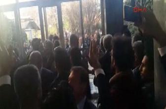 Meclis'te polisle partililer arasında arbede