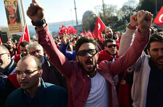 İstanbul'da yüzbinler teröre lanet etti!