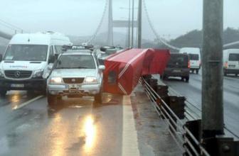 FSM'de olana bakın İstanbul bugün savruluyor