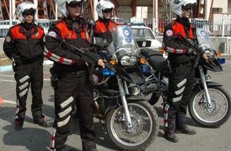 300 bin polisin kimlikleri değişti! Artık sahtesi yapılamayacak