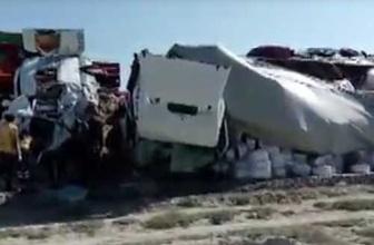 Konya'da TIR ile minibüs çarpıştı: 6 ölü, 5 yaralı