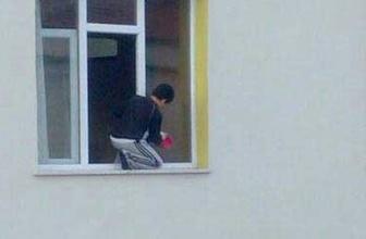 Kuran kursunun camları çocuğa sildirildi
