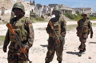 Askeri üssse saldırı 10 asker öldü
