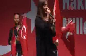 Demet Akalın Erdoğan'ın evinin önünde ağladı