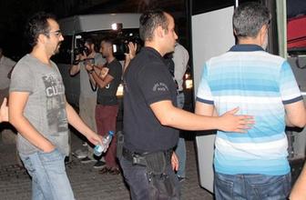 FETÖ'cü polislere 'Türkiye'nin yiğitleri' tezahüratı