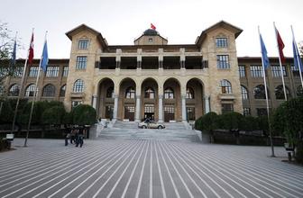 Gazi Üniversitesi eski dekanı FETÖ'den tutuklandı